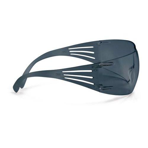 Nezahmlievacie ochranné okuliare 3M SecureFit s dymovými sklami