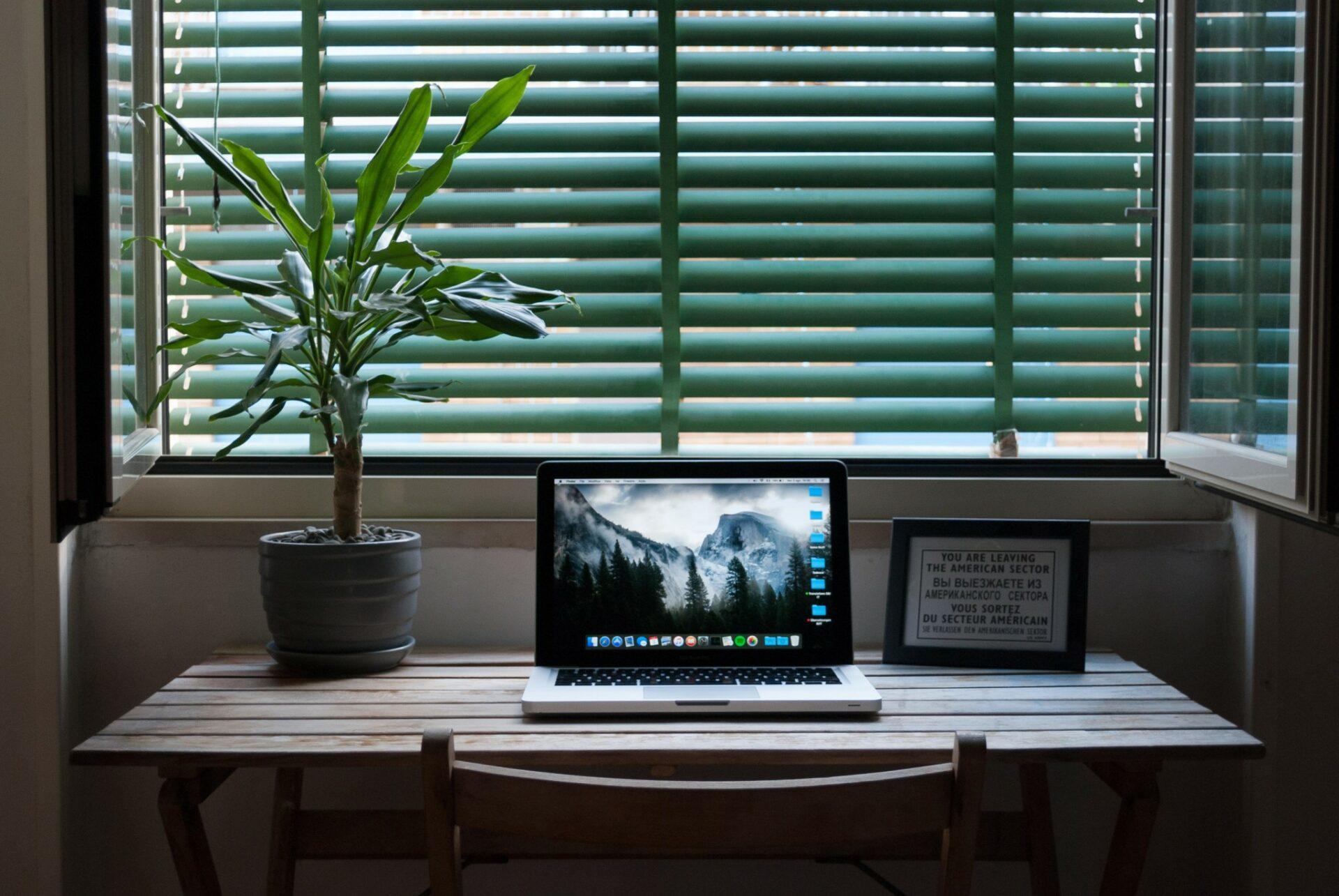 Psychológ aodborník na výživu radí, ako zvládnuť dlhodobý home office